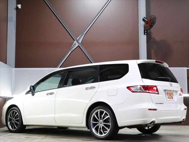 【 全国より厳選仕入れ 】仕入れ担当者が全国の車両をチェック。内装・外装・価格に自信を持てる車両のみを全国各地より仕入れております。