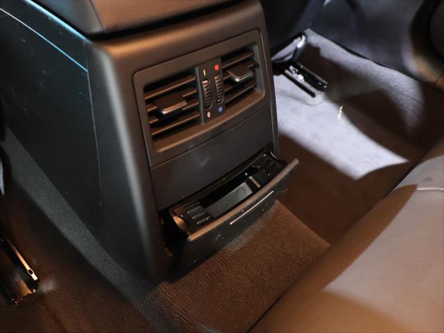 320i RAYS20インチアルミホイール/ダウンサス RS-R/レザーシート/純正オーディオ/CD再生/AUX端子 スマホ接続可能/社外ポータブルナビyupiteru MOGGY/テレビ ワンセグ/(33枚目)