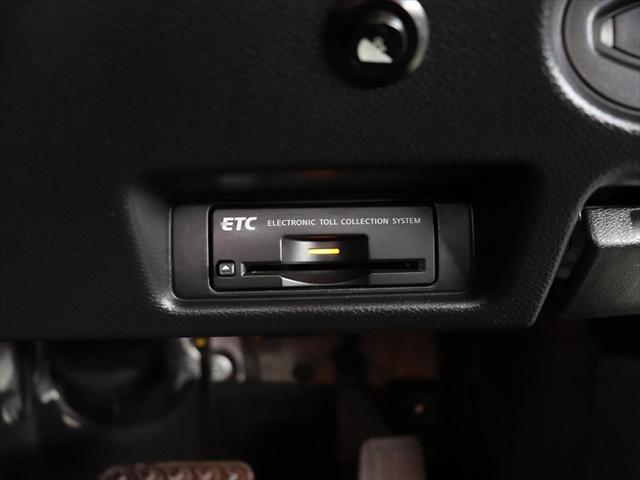 タイプP 4WD 20inアルミ/ローダウン/エアロ/黒革(9枚目)