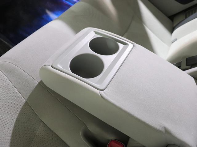 【 バックモニター装備 】シフトをバックに入れると、後ろの画像がモニターに映しだされますので、安全にバックすることができます。