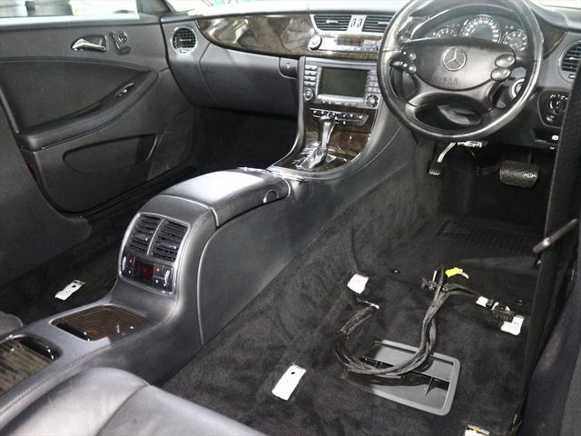 CLS350  黒革シート/純正18inアルミ/ETC(3枚目)