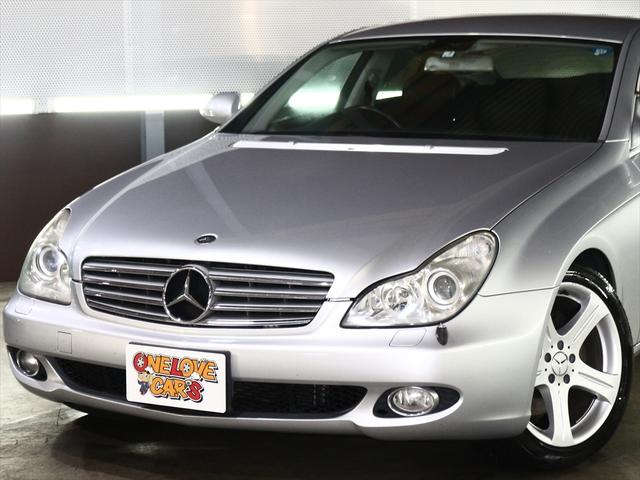 CLS350  黒革シート/純正18inアルミ/ETC(8枚目)