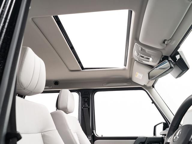 G350dワンオーナーサンルーフ内装アイボリーシートヒーター(4枚目)