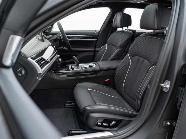 「BMW」「7シリーズ」「セダン」「愛知県」の中古車34