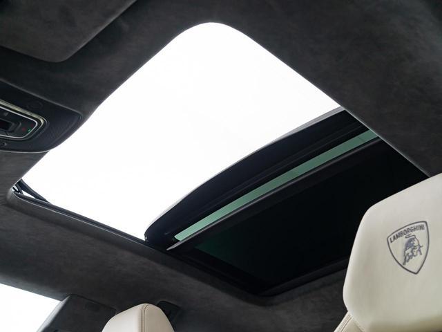 「ランボルギーニ」「ウルス」「SUV・クロカン」「愛知県」の中古車4