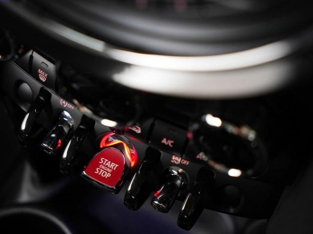 クーパーS ルーフホワイト テールランプユニオンジャック ターボ車 女性1オーナー 純正ナビ バックカメラ デジタルパッケージ スマートキー アルミホイール ETC ディーラー保証継承可能(19枚目)