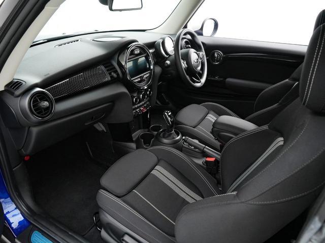 クーパーS ルーフホワイト テールランプユニオンジャック ターボ車 女性1オーナー 純正ナビ バックカメラ デジタルパッケージ スマートキー アルミホイール ETC ディーラー保証継承可能(23枚目)