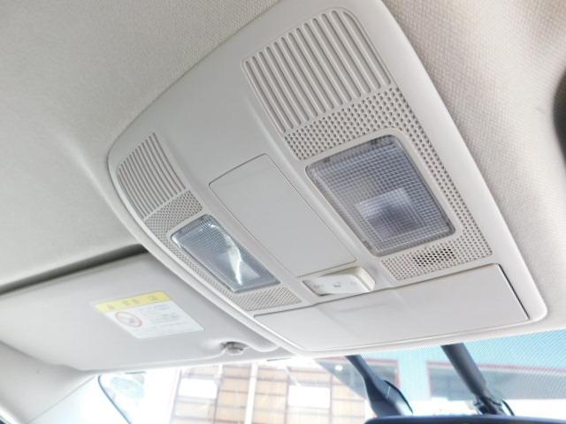 XD /1年保証付/HDDナビ/フルセグ/Bカメラ/サイドカメラ/DVD再生/プッシュスタート/ETC/オートライト/HIDヘッドライト/純正17インチAW(12枚目)