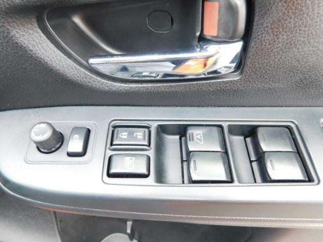 2.0i-L アイサイト /1年保証付/アイサイト搭載車/Bカメラ/ドライブレコーダー/ルーフレール/純正ナビ/クルーズコントロール/DVD再生/禁煙車/スマートキー/ETC/パワーシート/オートライト/純正アルミ(15枚目)