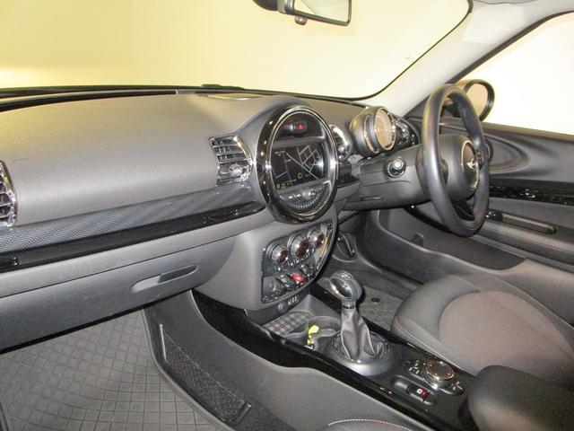 クーパー クラブマン 純正HDDナビ USB ブルートゥース バックカメラ ETC車載器 オートライト クルーズコントロール ドライブレコーダー 純正17インチアルミホイール スマートキー(11枚目)