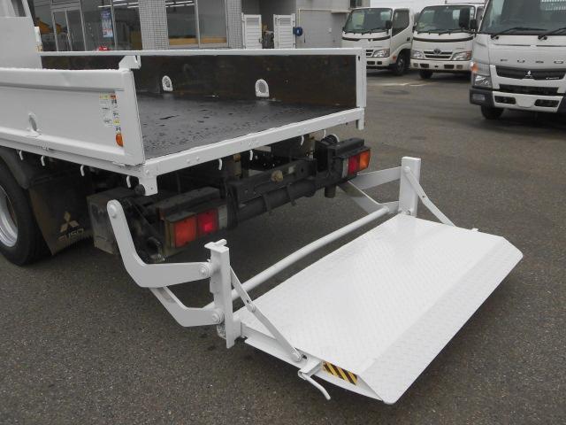 ロング平ボディ・パワーゲート・2トン積・排出ガス浄化装置(8枚目)