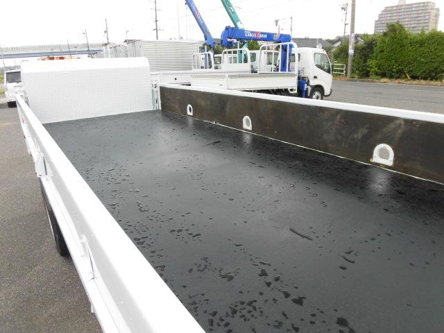 ロング平ボディ・パワーゲート・2トン積・排出ガス浄化装置(17枚目)