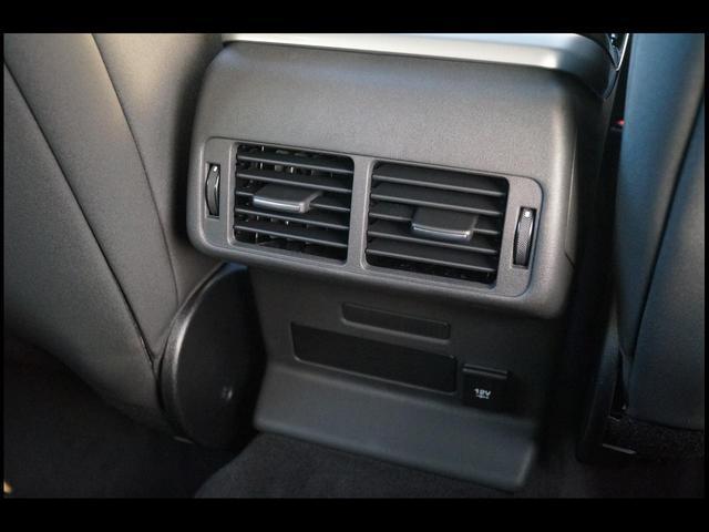 「ランドローバー」「レンジローバーヴェラール」「SUV・クロカン」「大阪府」の中古車34