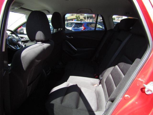 厳しい自社規定(高速走行含む)をクリアした、内外装・走行・機関性能ともに高品質なクルマだけを展示・販売しています。