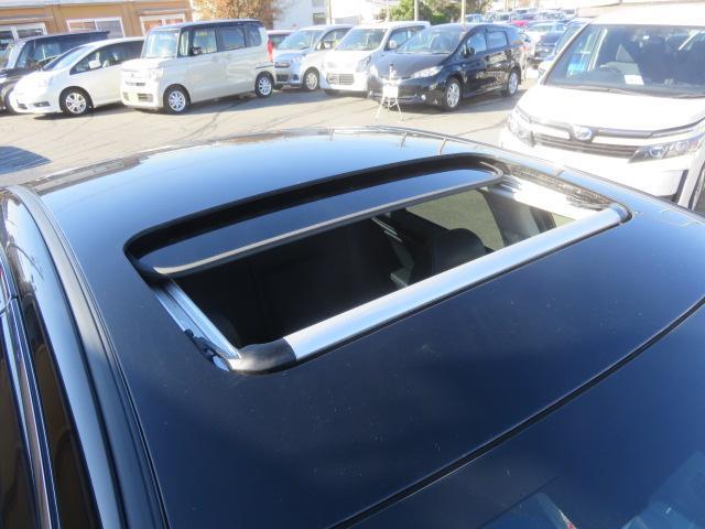 リミテッド 4WD 黒革 8型ナビTV サンルーフ LED(11枚目)