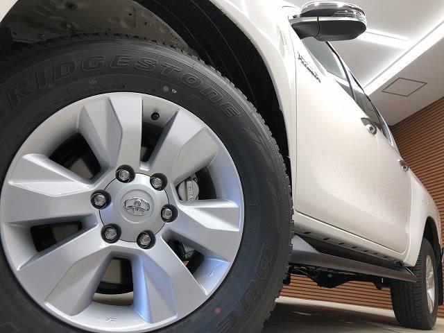 Z 登録済未使用車 トヨタセーフティセンス プリクラッシュセーフティーシステム 4WD レーダークルーズコントロール Pスタート スマートキー 純正AW ディーゼルターボ パールホワイト(16枚目)