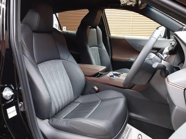 G 新車未登録 ディスプレイオーディオ バックモニター セーフティS レーダークルーズ 衝突軽減 スマートキー ハーフレザーシート 電動リアゲート Bluetoothオーディオ 電動シート 純正AW(5枚目)