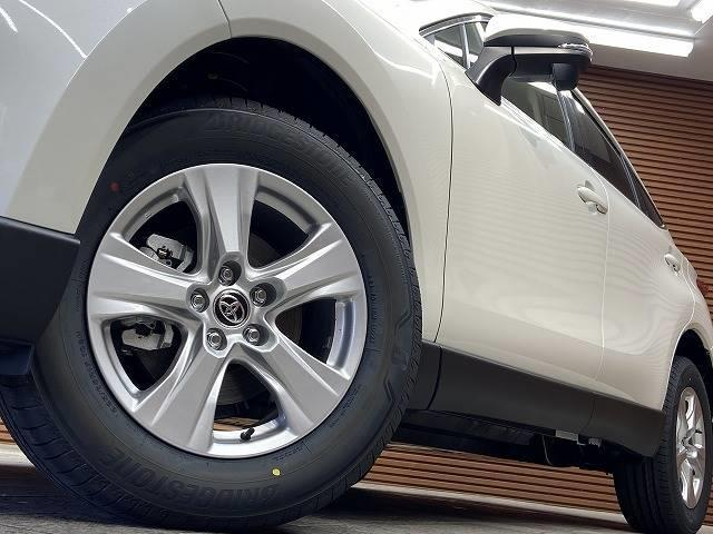 S 新車未登録 セーフティセンス 8型純正ディスプレイオーディオ バックモニター レーダークルーズコントロール スマートキー 純正AW 衝突軽減 クリアランスソナー オートマチックハイビーム(19枚目)