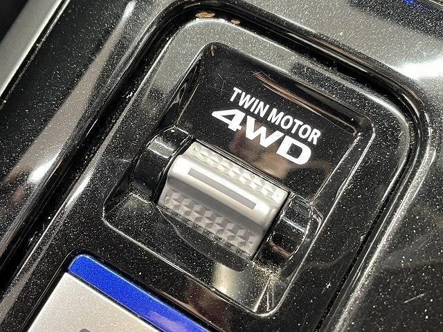 G 4WD アルパイン11インチフローティングナビ アラウンドビューモニター シートヒーター クリアランスソナー スマートキー パドルシフト クルーズコントロール LDA ブラインドスポットモニター(7枚目)