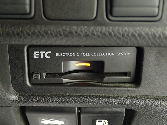 ビルトインETC車載器装備で、高速の乗り降りも楽々です。
