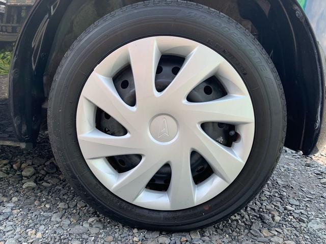 155/65R14のタイヤには純正ホイルキャップ付いてます!タイヤの溝もまだまだお使いいただけます♪
