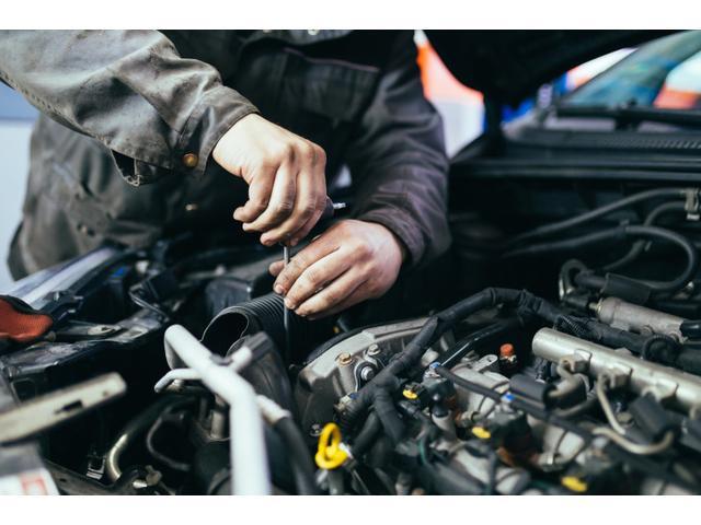 お客様のご要望やお車の状態に合わせて、各種整備プランをご提案させて頂きます。 納車後の整備メンテナンスもお任せください! 車の事ならなんでも!お気軽にご相談ください。