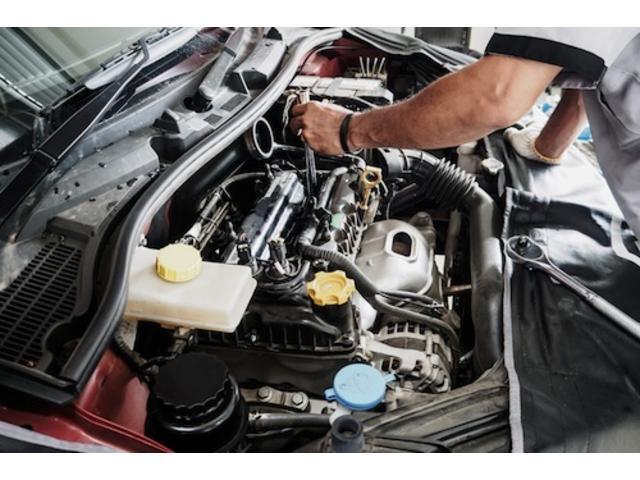 当社併設のピットもございます!リフトも1基完備しておりますので、お客様のお車を隅々まで点検整備させていただきます!!https://linktr.ee/proud2007szk