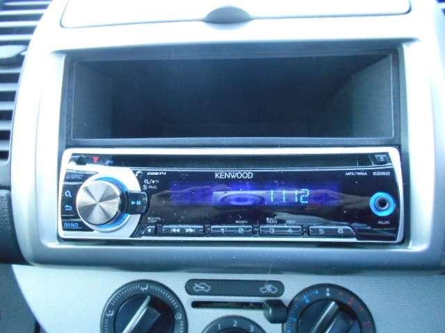 ケンウッドの1DINサイズのCDチューナー。AM/FMラジオも聞けます。
