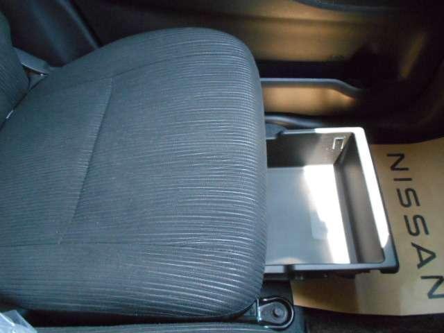 X Vセレクション 衝突被害軽減ブレーキ 前方踏み間違い防止 メモリーナビMJ116D-W 全周囲カメラ 両側オートスライドドア オートエアコン(14枚目)