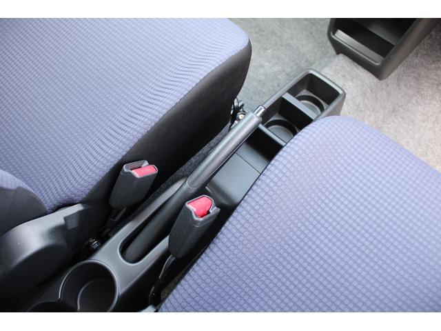 L シートヒーター 盗難防止センサー アイドリングストップ 横滑防止 純正CDオーディオ キーレス(10枚目)