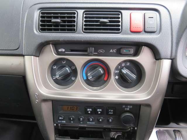 SDX 走行無制限1年間保証付き 5速マニュアル リアルタイム4WD ドライブレコーダー プライバシーガラス キーレス AMFMラジオ(18枚目)