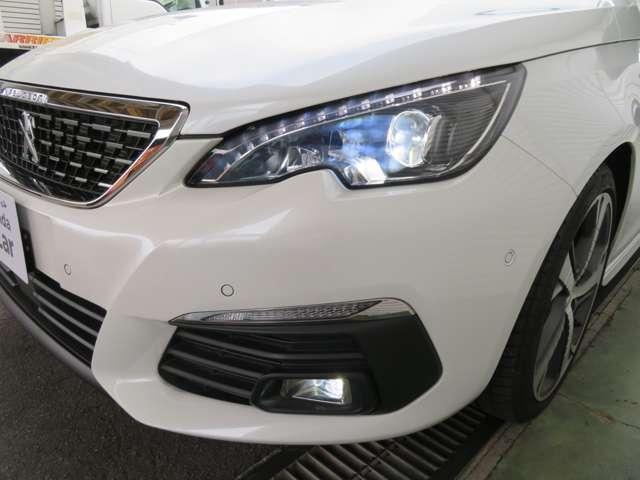 GT ブルーHDi ディーゼルターボ カープレイ対応ディスプレイ バックカメラ ETC Bluetooth LEDヘッドライト スマートキー アイドリングストップ 禁煙車(9枚目)