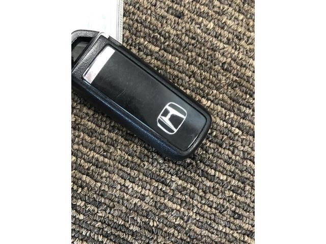 G SSコンフォートパッケージ 衝突軽減ブレーキ メモリーナビ 地デジ Bluetooth バックカメラ スマートキー ベンチシート アイドリングストップ(26枚目)