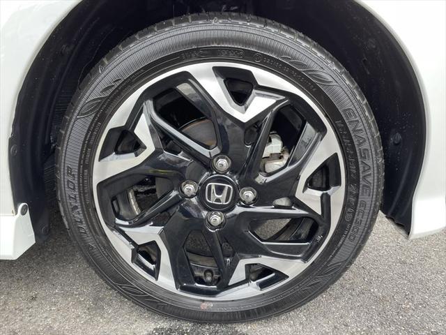 G・Lターボホンダセンシング 1年保証付 両側パワースライドドア 衝突軽減ブレーキ レーダークルーズコントロール レーンキープアシスト LEDヘッドライト オートライト 純正15インチアルミホイール フォグランプ(14枚目)