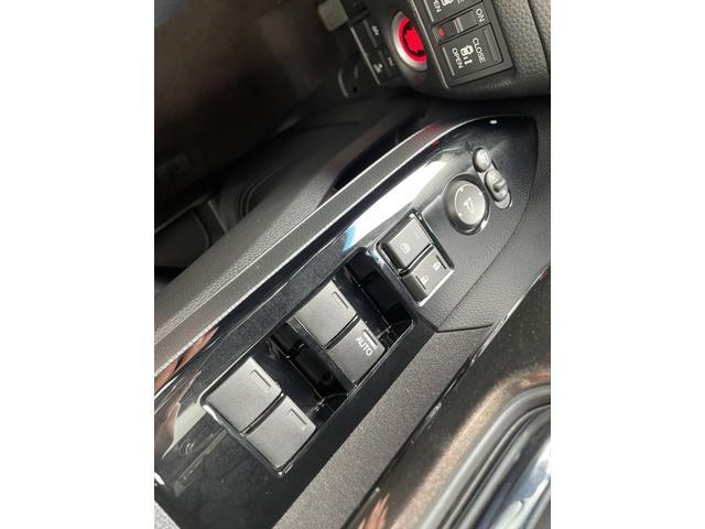 G・Lターボホンダセンシング 1年保証付 両側パワースライドドア 衝突軽減ブレーキ レーダークルーズコントロール レーンキープアシスト LEDヘッドライト オートライト 純正15インチアルミホイール フォグランプ(33枚目)