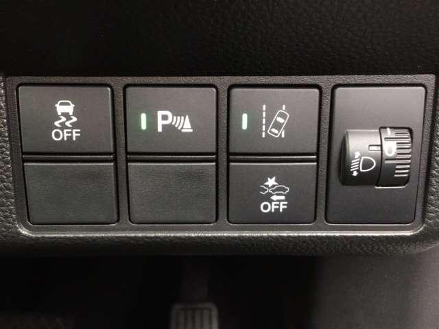 L・ターボホンダセンシング 8インチインターナビ ETC Bluetooth接続 フルセグTV DVD再生 バックカメラ 急速充電USB ドライブレコーダー シートヒーター LEDヘッドライト 純正アルミ 2年間無料保証付(12枚目)
