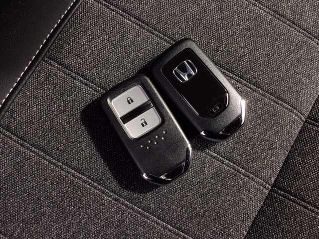 ホーム 9インチインターナビ ETC ドライブレコーダー Bluetooth接続 フルセグTV バックカメラ DVD再生 スマートキー LEDヘッドライト 禁煙車 2年間無料保証付(13枚目)
