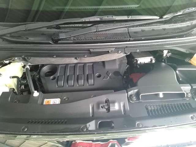 アーバンギア 2.2 G ディーゼルターボ 4WD(8枚目)
