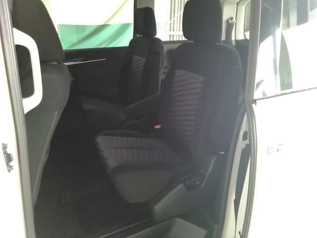 アーバンギア 2.2 G ディーゼルターボ 4WD(11枚目)