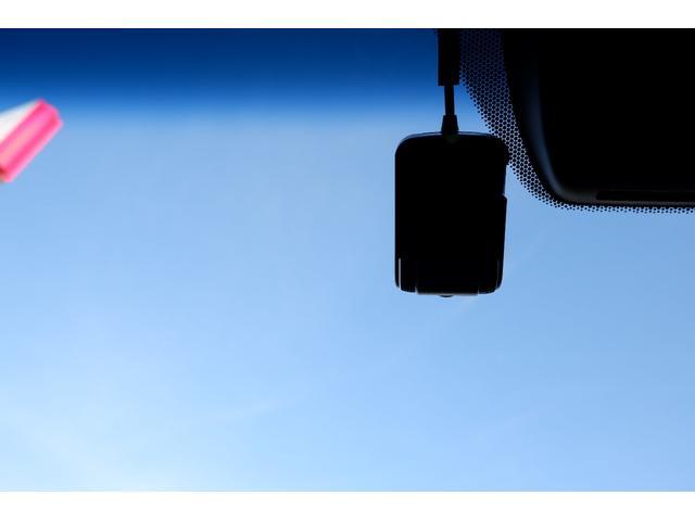 純正オプションのドライブレコーダーがついて安心してドライブできます
