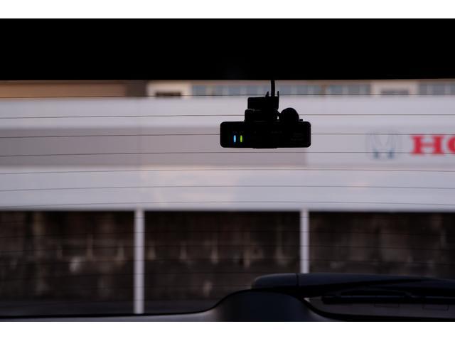 リアドライブレコーダーもついて安心です