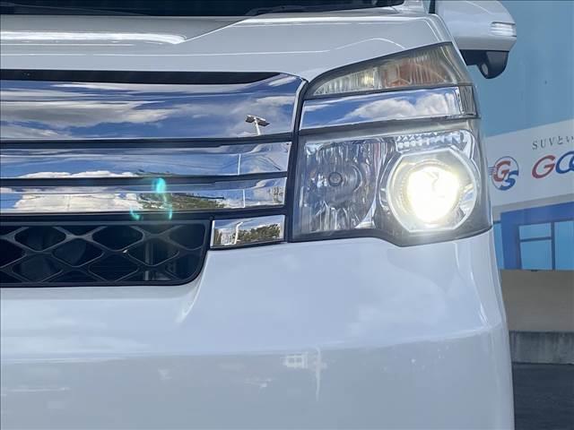 ZS G'sバージョンEDGE 両側電動スライドドア 純正フルセグSDナビ 天吊りモニター ビルトインETC キセノンヘッドライト スマートキー&プッシュスタート バックカメラ LEDデイライト フロントフォグ ステアリングスイッチ(20枚目)