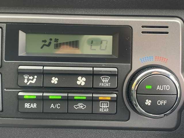 スーパーGL ダークプライム ハーフレザー 純正ナビTV バックカメラ 衝突軽減ブレーキ レーンキープ スマートキー オートハイビーム ディーゼル4WD(8枚目)