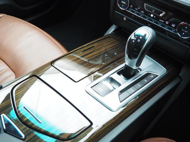 S サンルーフ 20インチウラーノホイール ヴェンチレーション エバーノウッドトリム ラミネートガラス レッドブレーキキャリパー フルナチュラルレザー パドルシフト(11枚目)