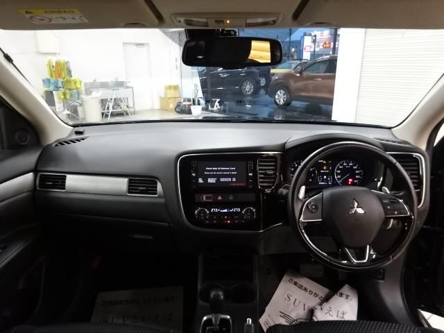 24G 4WD ナビ バックカメラ ETC パドルシフト レーダークルコン 3列シート スマートキー(3枚目)