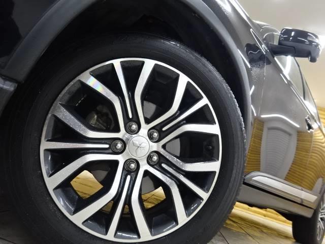 24G 4WD ナビ バックカメラ ETC パドルシフト レーダークルコン 3列シート スマートキー(20枚目)