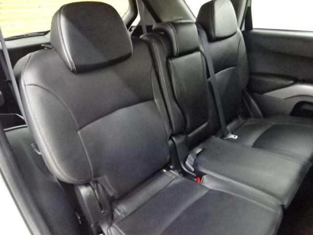 Gリミテッドエディション 4WD ブラックレザーシート 純正HDDナビ バックモニター サイドバイザー シートヒーター パドルシフト ロックフォードサウンドシステム(6枚目)