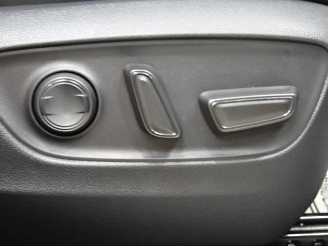 アドベンチャー オフロードパッケージ バックカメラ クリアランスソナー 衝突軽減ブレーキ 追従クルーズコントロール LEDヘッド レーンキープ 合成革シート オートハイビーム 新車未登録 ルーフレール 純正19AW 4WD(4枚目)