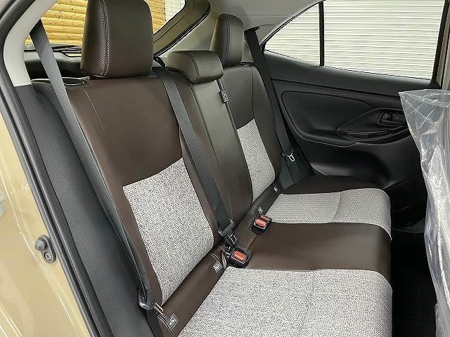 HYBRID Z 新車未登録 ステアリングヒーター ブラインドスポット パノラミックビュー LED シートヒーター bluetooth レーダークルーズコントロール 純正AW スマートキー(6枚目)