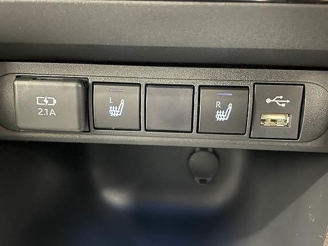 HYBRID Z 新車未登録 ステアリングヒーター ブラインドスポット パノラミックビュー LED シートヒーター bluetooth レーダークルーズコントロール 純正AW スマートキー(7枚目)